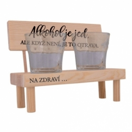 Dřevěný stojánek se skleničkami - alkohol je jed