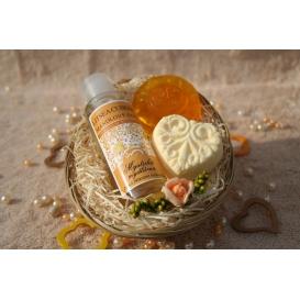 Telový mandľový olej Litsea cubeba & Glycerínové mydlo a Šumivá tableta pre načerpanie novej energie v košíku