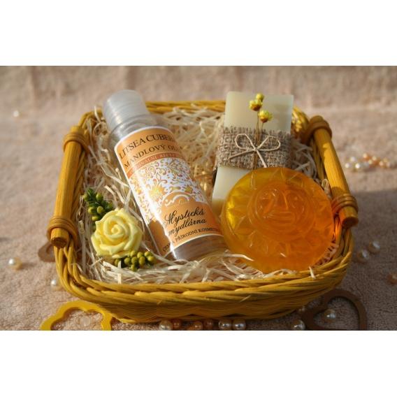 Telový mandľový olej Litsea Cubeba & Olivové mydlo a Glycerínové mydlo pre načerpanie novej energie v košíku