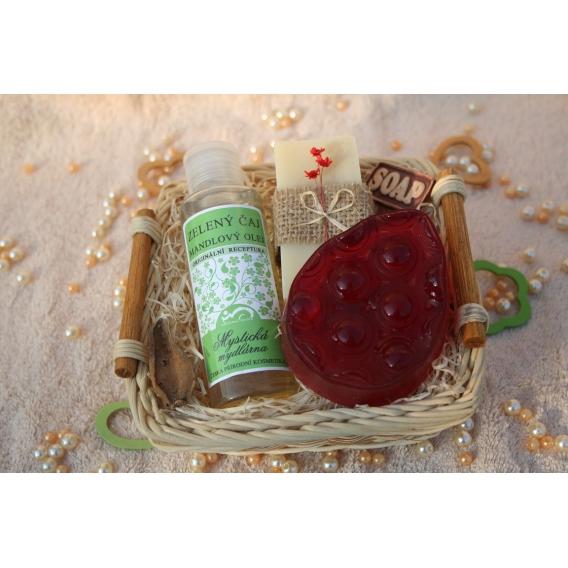 Telový mandľový olej Zelený čaj & Olivové mydlo a Glycerínové mydlo-masážne v košíku