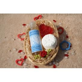 Telový mandľový olej Biely čaj & Glycerínové mydlo Čučoriedka a Šumivá tableta v košíku