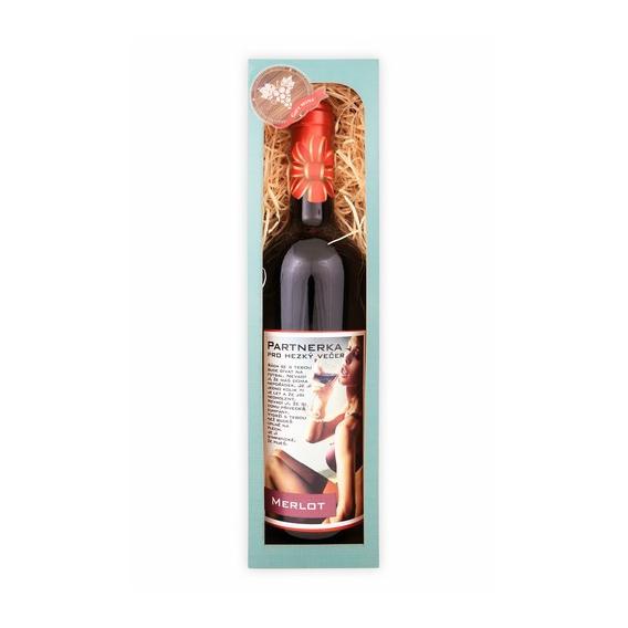 Darčekové víno červené merlot - Partnerka pre pekný večer 750 ml