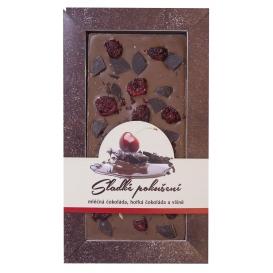 Mliečna čokoláda s kúskami horkej čokolády a višní